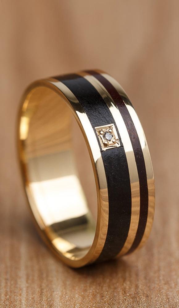 Aliança de casamento em ouro 18K 750 e madeira Quimera - Valor Unitário