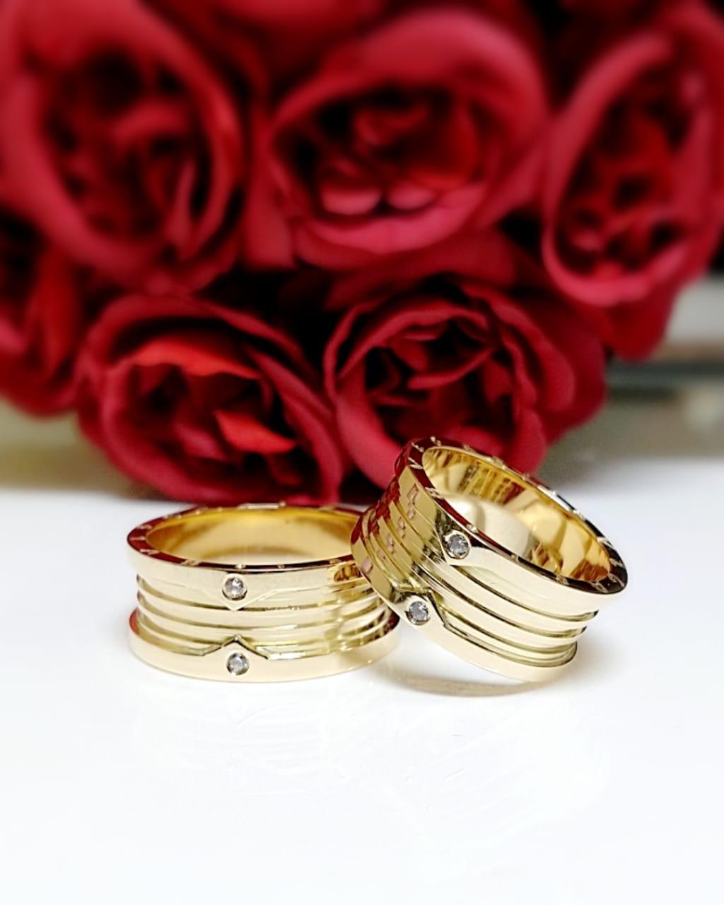 Alianças de Casamento com 8 gramas par.