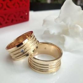 Aliança de casamento em ouro 18K 750 Exuberante