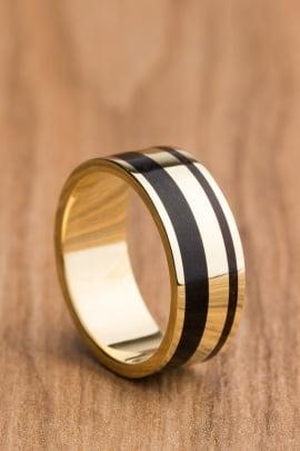 Aliança de casamento em ouro 18K 750 e madeira Elegance
